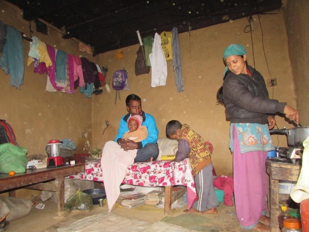 गरायलाका धनबहादुर विकको परिवार खलंगा स्थित डेरामा